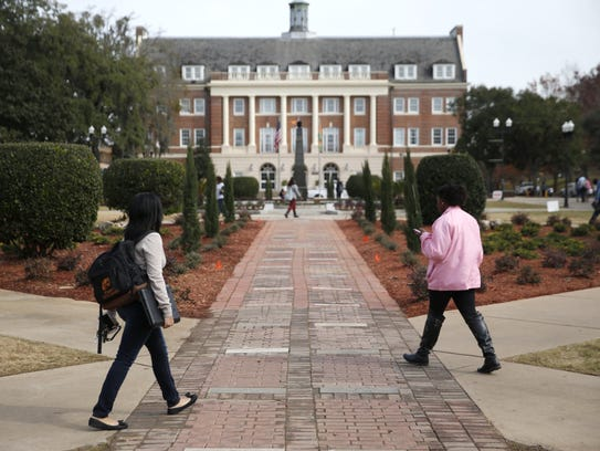 Students at FAMU say they see few smokers during their