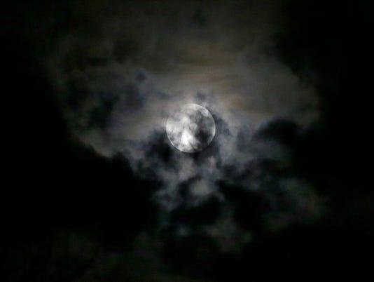 636529889384152972-no-super-moon---desisti-0184.JPG