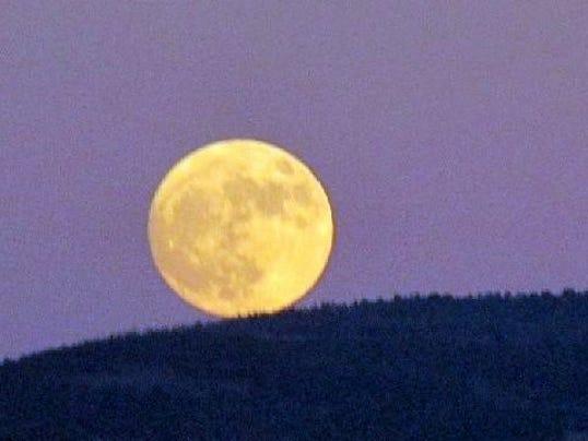 super-moon-closer
