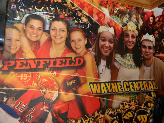 Applebees uses local athletes and students in its murals.