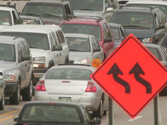 -Road construction traffic.jpg_20130528.jpg
