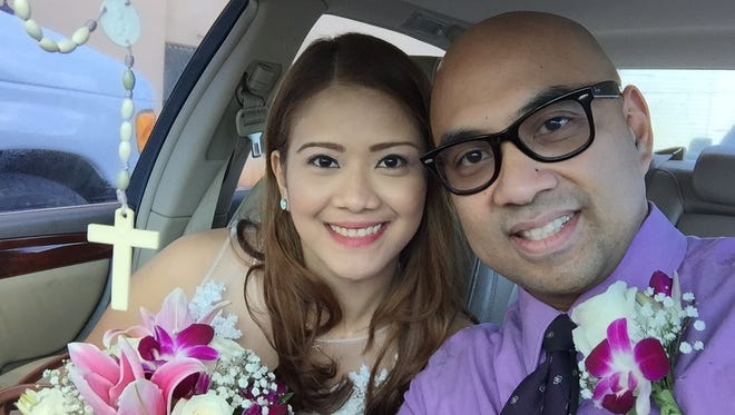 Eileen Larroza and Emmanuel Solidum are rushing to get ready for their wedding tonight.