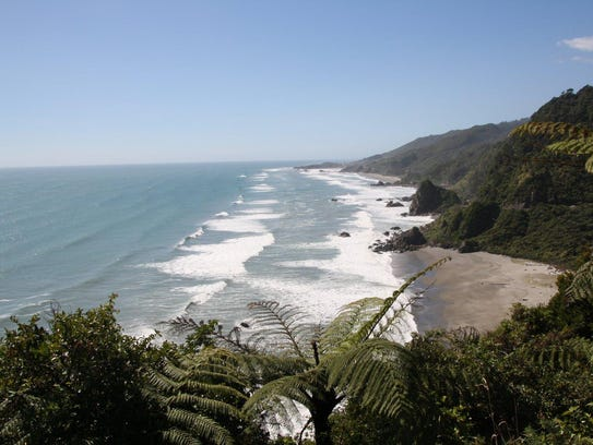 The beaches of New Zealand look like deserted paradise,