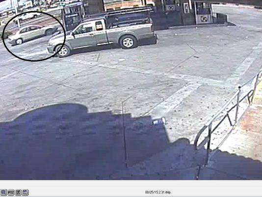 635768196044927577-01-suspect-car