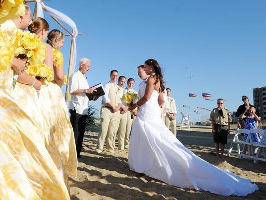 -061512-bch.wedding-cs.5692.jpg_20120615.jpg