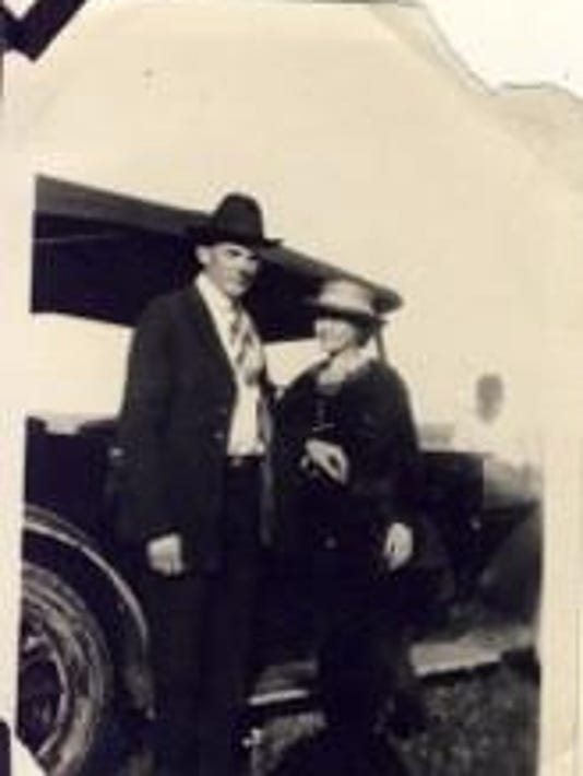 Eldon and Vadna Lee with car