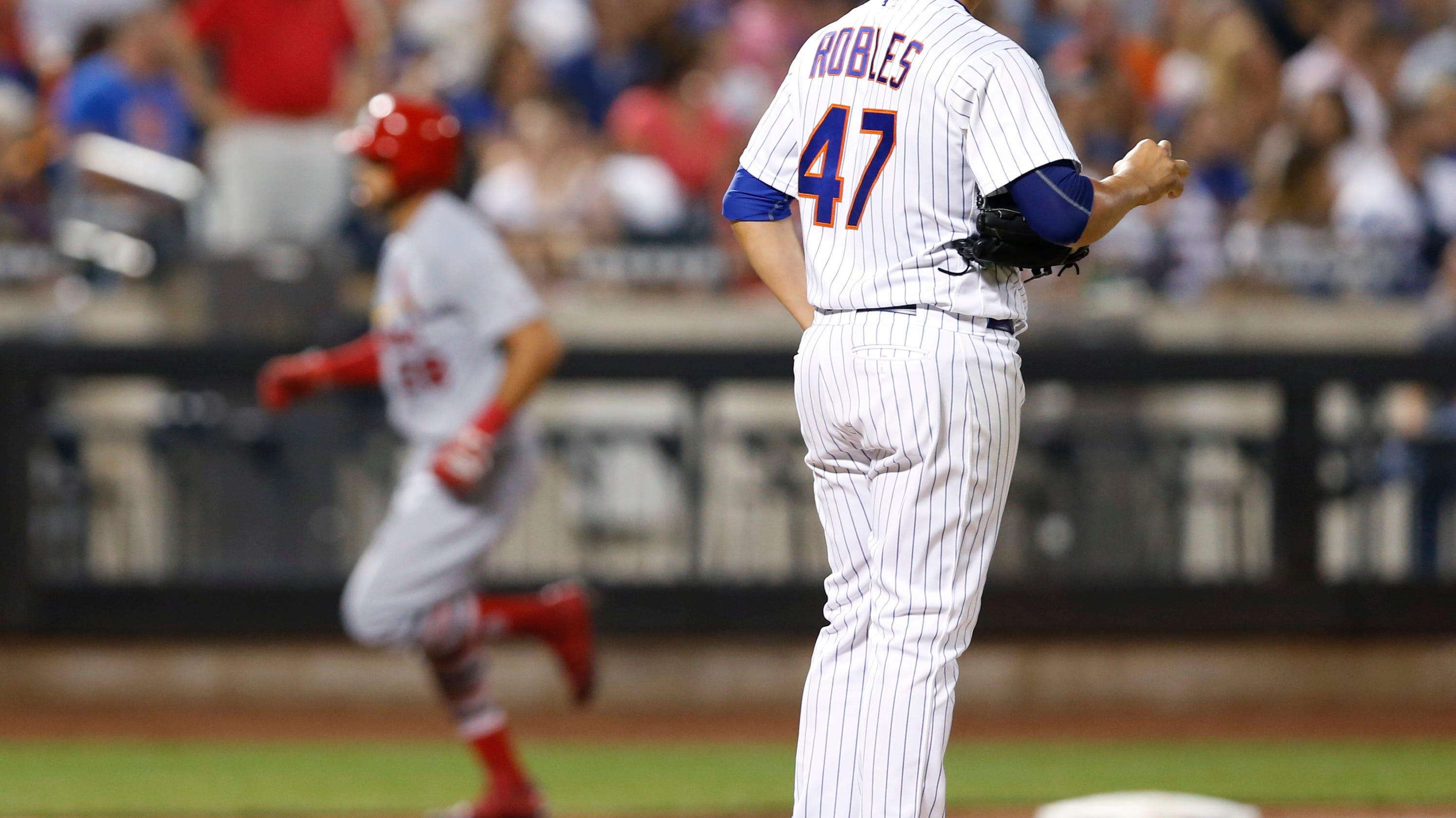 DeJong decks Mets again, Wainwright leads Cards to 6-3 win