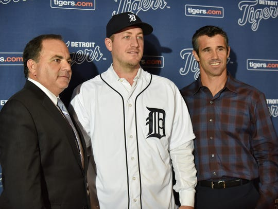 Jordan Zimmermann poses with  Detroit Tigers general