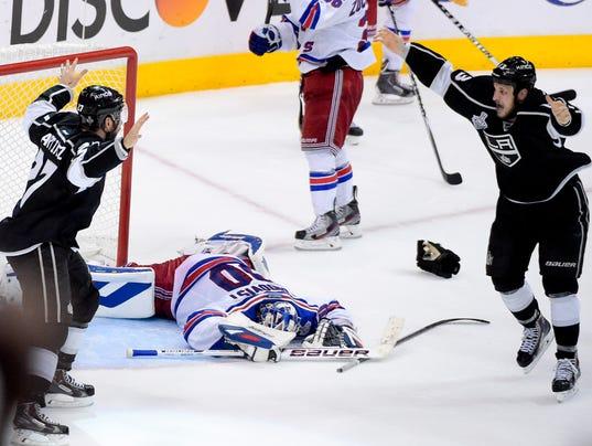 Rangers 2014 Cup Final Game 5 Lundqvist down