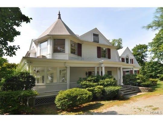 1455 Roosevelt Place, Pelham
