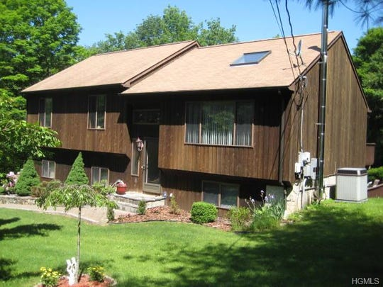 Welcome to 212 Union Valley Road in Mahopac NY