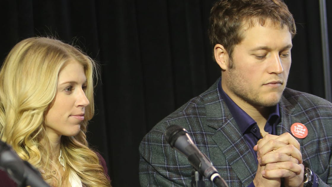 Detroit lions matthew stafford kelly hall register for wedding gifts