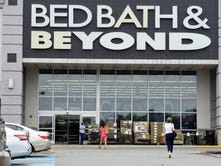 Bed Bath & Beyond says earnings, comparable store sales fell in first quarter