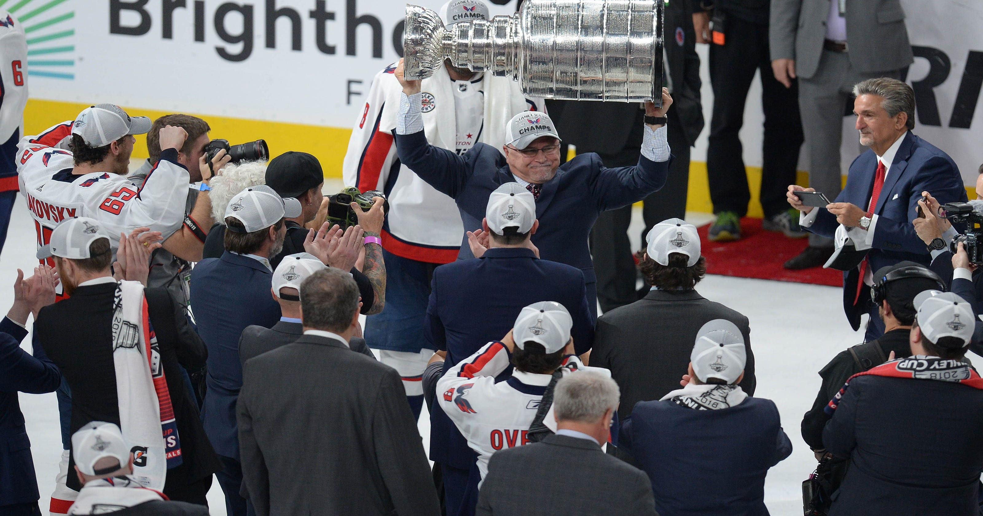 5a0661d3b22 Trying to keep coach Barry Trotz is first priority for champion Capitals