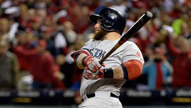 Jonny Gomes hits a go-ahead three-run home run in the sixth inning to give the Red Sox a 4-1 lead.