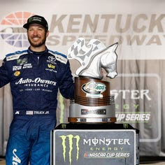Saturday's motors: Truex repeats at Kentucky Speedway