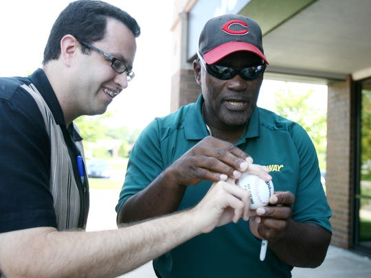 Major League Baseball Hall of Famer George Foster (right)