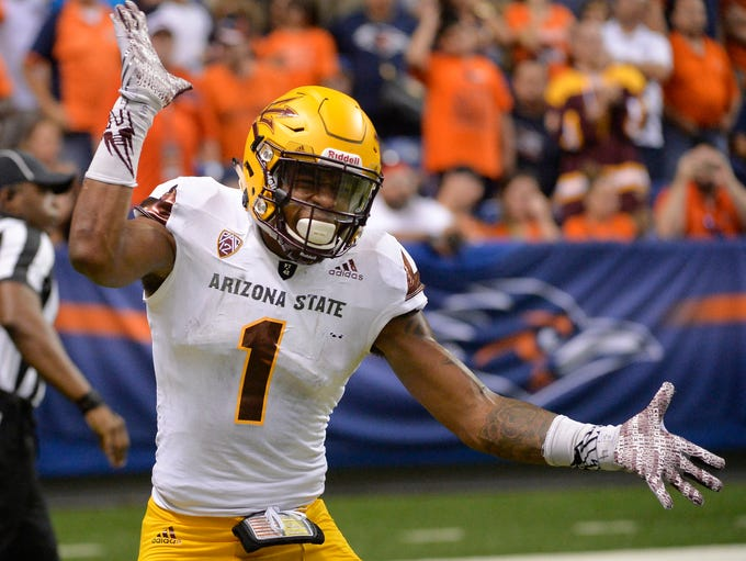 ASU wide receiver N'Keal Harry celebrates his touchdown