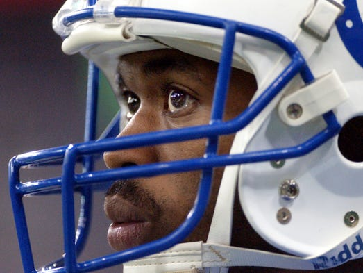 12/1/02 --- Indianapolis Colts Marvin Harrison gets
