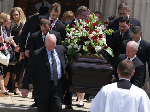 Touching Gordie Howe eulogy chock full of anecdotes