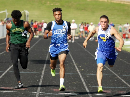 Robert E. Lee's Iyon Oravitz competes in the 100 meter