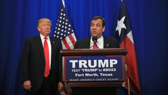 Chris Christie announces his support for Donald Trump