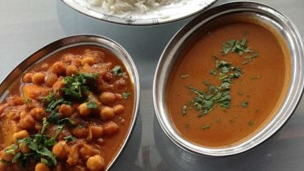India Palace''s aloo chole curry is a stew-like mixture of potatoes and chick peas in a curry sauce.