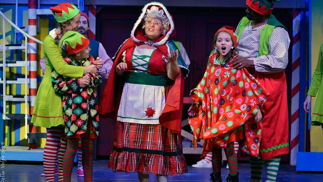 Candlelight Theatre's Christmas show is like two shows in one. Act I is a tale of elves. Act II features standard songs.