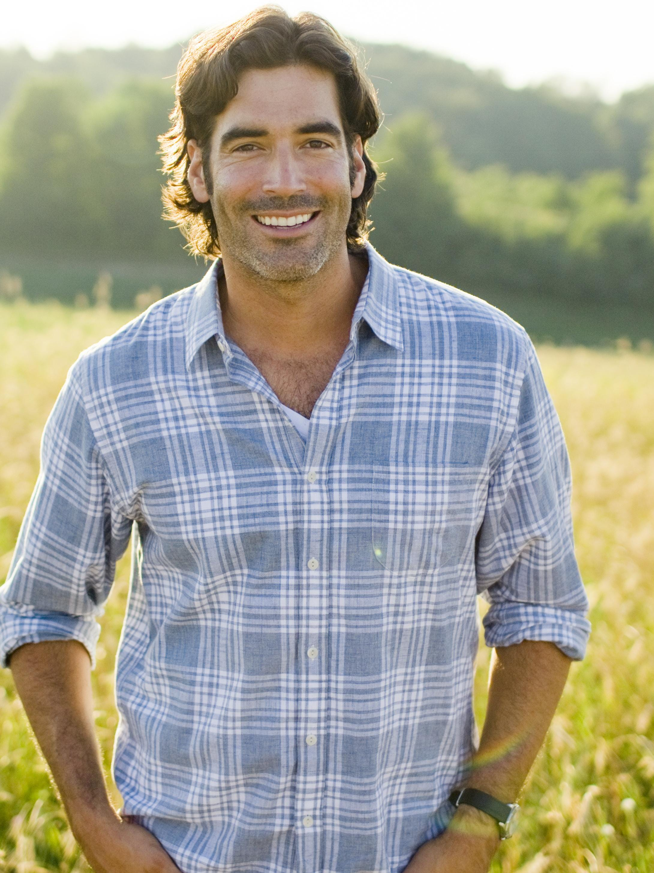 Carter Oosterhouse Returns To Trading Spaces Roots
