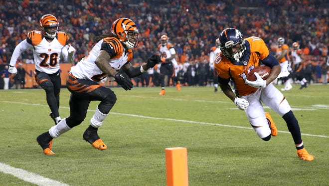 Denver Broncos wide receiver Emmanuel Sanders scores on a third down play. Such key conversions helped the Broncos to a victory.