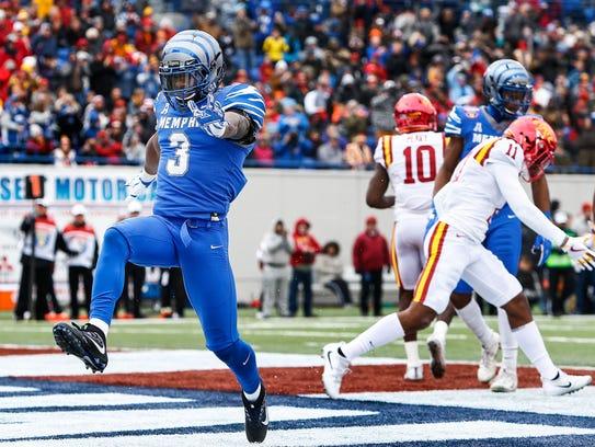 Memphis receiver Anthony Miller celebrates a touchdown
