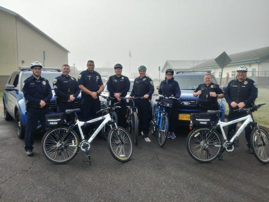 Aumsville Police assisting with the Bike/Walk to School