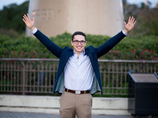 Pablo Martinez: Senior Entrepreneurship, MIS and Finance