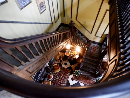 Austen Place B&B features 15-foot ceilings.
