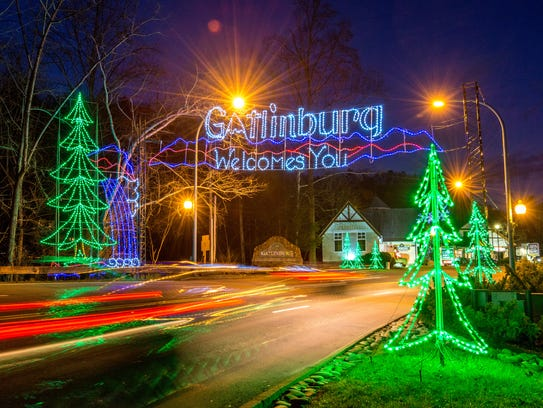 Sevier county 39 s smoky mountain winterfest what to know for Gatlinburg civic center craft show