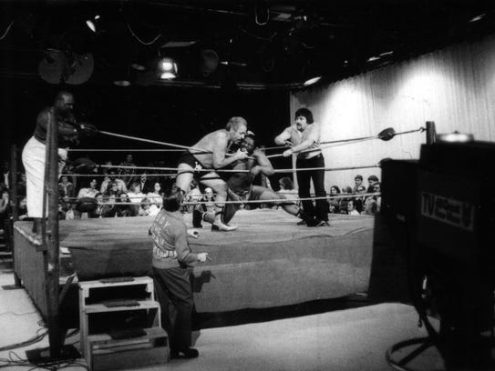 """""""I Like To Hurt People"""" chronicles late 1970s wrestling in Detroit."""