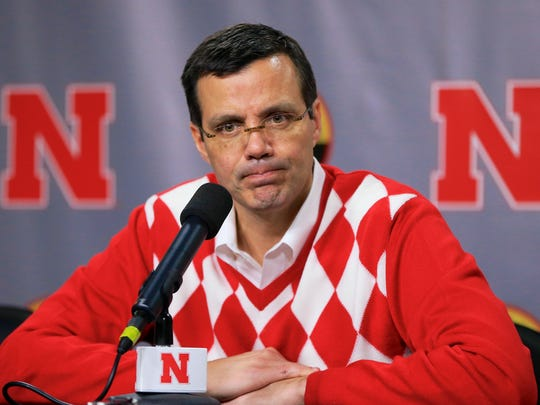 Nebraska basketball coach Tim Miles tweets at halftime of games.