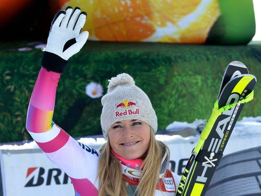 Lindsey Vonn breaks record, gets surprise from Tiger