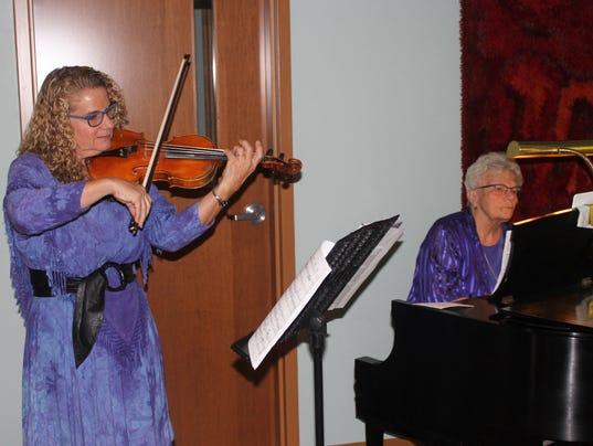 636464419761268267-Violinist-Beth-Chafey-Hon-accompanied-by-Sue-Raye-Hughes.jpg