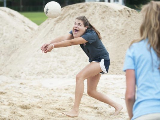 CHL Moorestown sand volleyball 03 jump