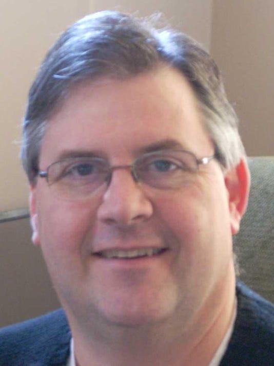 Russ Hines headshot