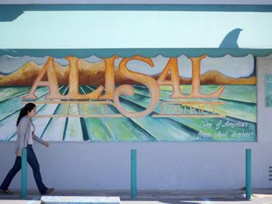 Alisal USD mural