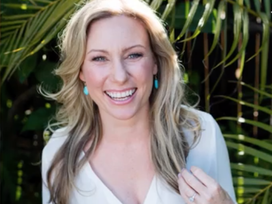 Justine Ruszczyk Damond died of a gunshot wound to her abdomen, according to the Hennepin County Medical Examiner's Office.