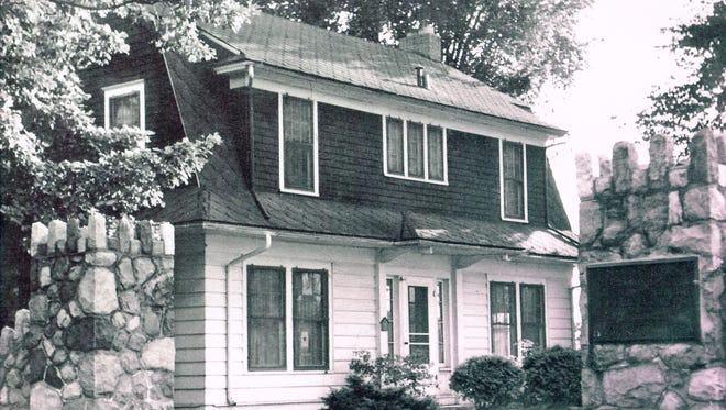 Marty Peck estimates this photo of the house at One Country Club Drive was taken in the 1940s.