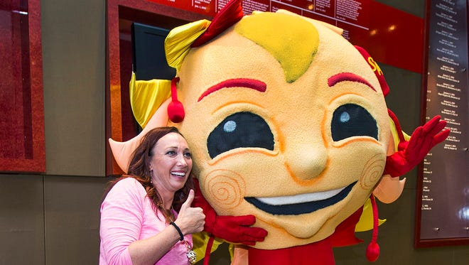 Olympic swimmer Amy Van Dyken-Rouen is the 2014 Fiesta Bowl Parade grand marshal.