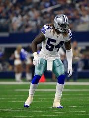 Dallas Cowboys linebacker Jaylon Smith (54) lines up