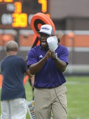 Fremont Ross coach Craig Yeast reacts on the sideline during the Little Giants' game at Southview.