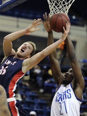 Belmont's Evan Bradds, left, and Tennessee State's Christian Mekowlulu will play key roles in Saturday's game at Gentry Center.