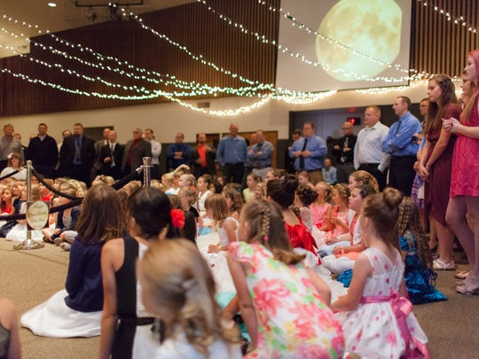 Scenes from the 2014 Santiam Canyon Father Daughter Ball.