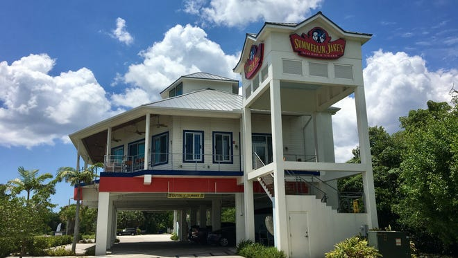 The former Summerlin Jake's building will be gutted and transformed into Lola's Bait Shack with an opening targeted for January.